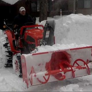 Трактор Kioti CK22HST + фронтальный снегоотбрасыватель