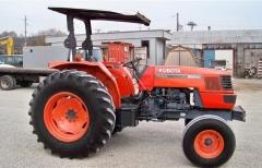 Трактор бу Kubota M9000