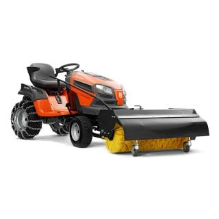 Садовый трактор Husqvarna YTH 184T + всесезонная коммунальная щетка