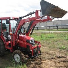 Palas B.M.H. Фронтальный ковш погрузчик для тракторов Shibaura ST 318 / ST321 / ST 324 / SX 24 / SX21 модель V180