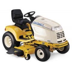 Профессиональный садовый трактор Cub Cadet HDS 3235