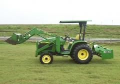 Трактор бу John Deere 4300 + ковш погрузчик + культиваторная фреза