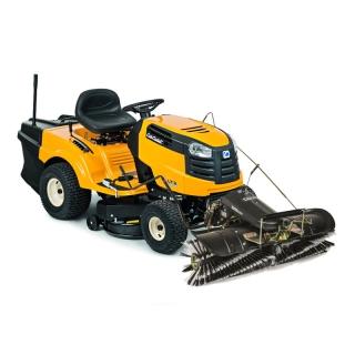 Снегоуборочный трактор Cub Cadet LT2 NR92 + щетка